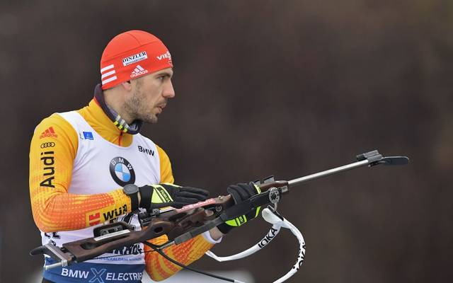Germany's Arnd Peiffer practices during the zeroing before the men's 10km Sprint event at the Biathlon World Cup in Oberhof on January 10, 2020. (Photo by Tobias SCHWARZ / AFP) (Photo by TOBIAS SCHWARZ/AFP via Getty Images)