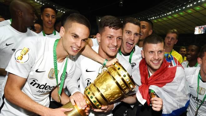 Mijat Gacinovic (l.) war einer der Frankfurter Pokalhelden 2018