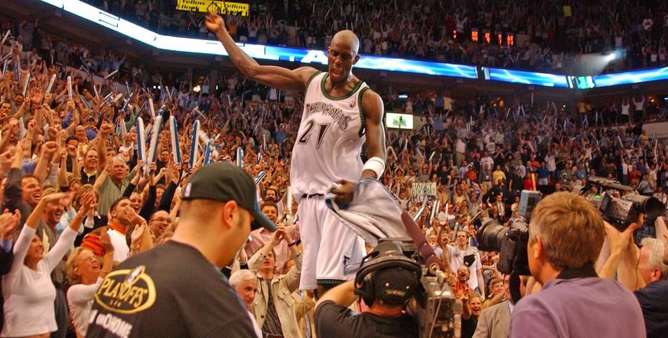 """Am 31. Juli 2007 sprengen die Boston Celtics für Kevin Garnett alle Dimensionen. Der Superstar von den Minnesota Timberwolves kommt in einem Blockbuster-Trade nach """"Beantown"""" - im Gegenzug wechseln so viele Spieler wie noch nie den Klub"""