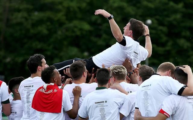 Mit der U19 von Hannover 96 gewann Daniel Stendel (o.) 2016 den DFB-Juniorenpokal