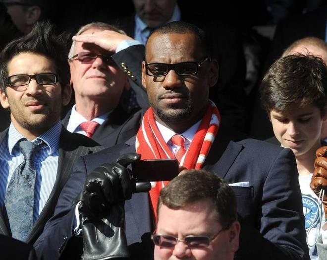 LeBron James bei einem Besuch in Liverpool 2011