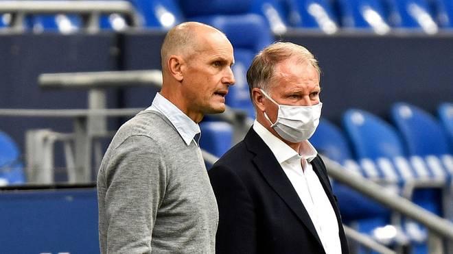 Stefan Reuter (r.) ist mit der Arbeit von Trainer Heiko Herrlich zufrieden