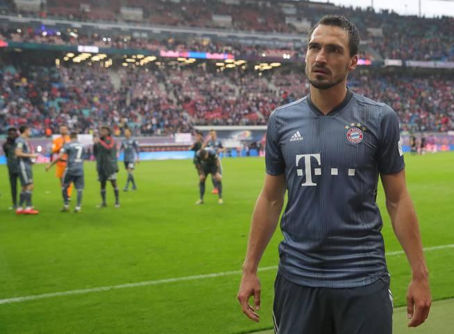 Weil der FC Bayern am Samstag bei RB Leipzig nicht über ein 0:0 hinauskam und Borussia Dortmund knapp mit 3:2 gegen Fortuna Düsseldorf gewann, wird erst am kommenden Samstag in der Meisterfrage abgerechnet. Das gab es seit fast zehn Jahren nicht mehr - in der Vergangenheit aber durchaus oft ...