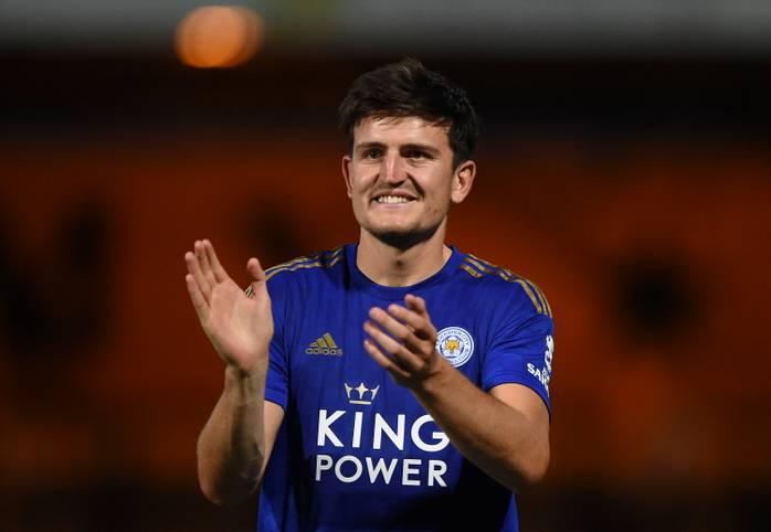 Harry Maguire steht kurz vor einem Wechsel von Leicester City zu Manchester United. Der Engländer wird dann nicht nur teuerster Verteidiger aller Zeiten, sondern auch der teuerste Zugang eines Premier-League-Klubs in der aktuellen Transferperiode