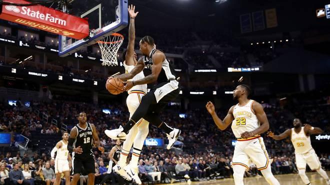 Die San Antonio Spurs haben einen Sieg gegen die Golden State Warriors gefeiert
