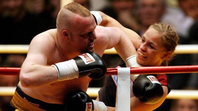 Regina Halmich 2007 in ihrem zweiten Kampf gegen Stefan Raab