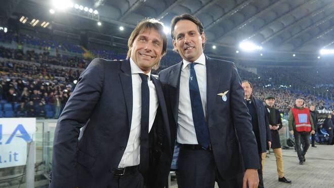 Simone Inzaghi (r.) tritt bei Inter Mailand die Nachfolge von Antonio Conte an