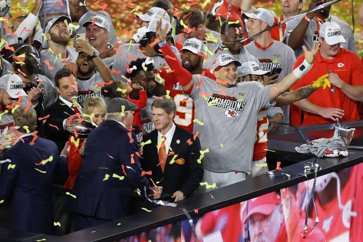 Quarterback Patrick Mahomes führt die Kansas City Chiefs zu ihrem zweiten Triumph im Super Bowl. Das Team schlägt die San Francisco 49ers nach einer famosen Aufholjagd mit 31:20
