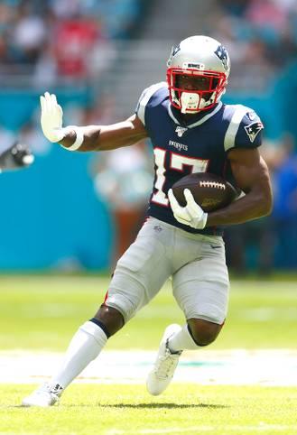 Antonio Brown kehrt  nach einjähriger Pause in die NFL zurück und heuert laut US-Medienberichten bei den Tampa Bay Buccaneers um Superstar Tom Brady an