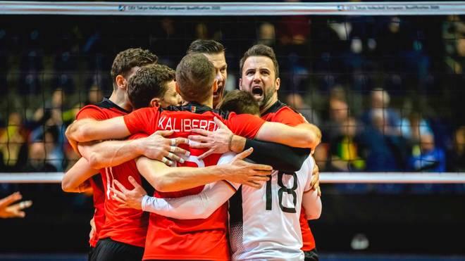 Die deutschen Volleyballer spielen gegen Frankreich um das letzte Olympia-Ticket