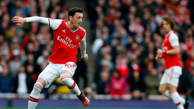 Mesut Özil stand beim Neustart des FC Arsenal nicht im Kader