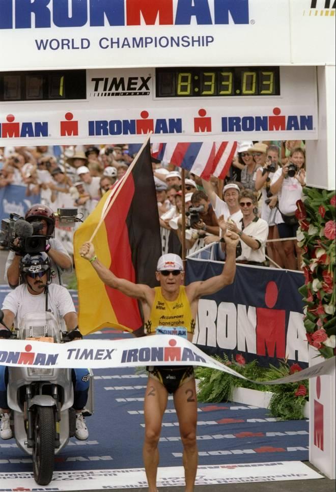 Thomas Hellreigel gewinnt 1997 als erster deutscher Athlet den Ironman Hawaii