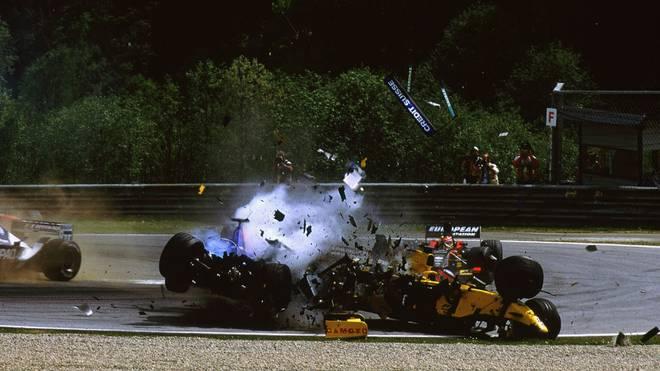 Nick Heidfeld und Takuma Sato erleben 2002 einen schlimmen Unfall