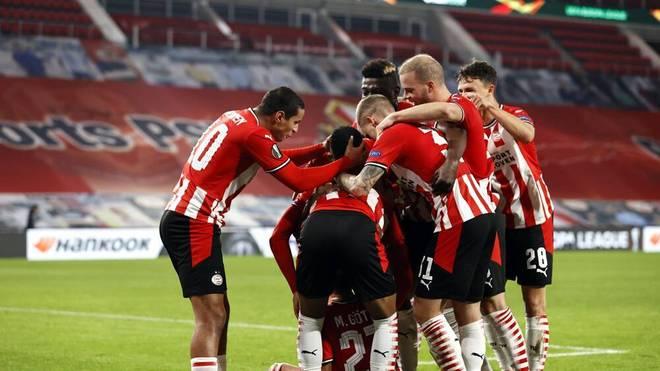 Die PSV Eindhoven geht mit Mario Götze gegen Den Haag in Führung