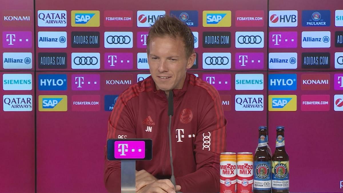 Julian Nagelsmann wird auf die Bayern-Dominanz in der Bundesliga angesprochen. Der FCB-Trainer reagiert cool und stellt einen Vergleich mit der Automobilbrache her.