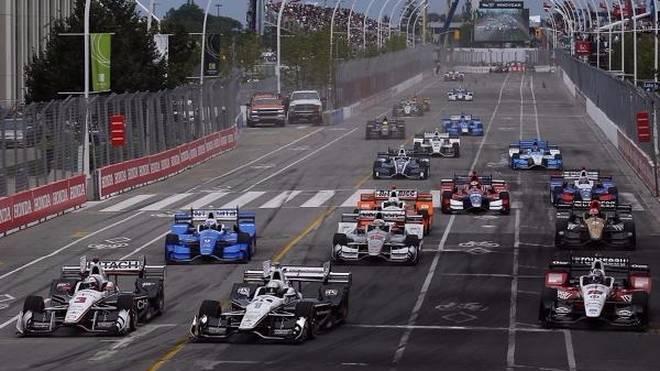 Innen an allen vorbei: Helio Castroneves zeigte, dass in ihm weiter ein Racer steckt