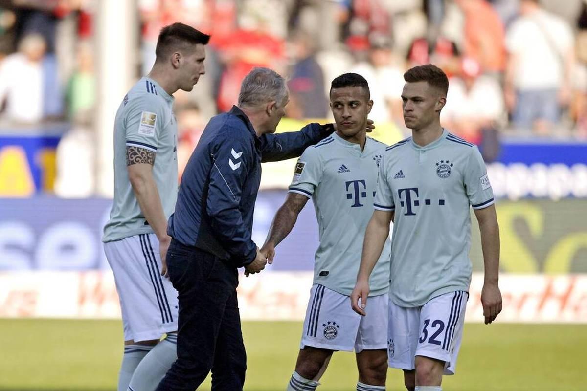 Joshua Kimmich hat Bedenken und sich daher nicht gegen das Corona-Virus impfen lassen. Seine Klub-Kollegen und Freiburgs Trainer beziehen Stellung.