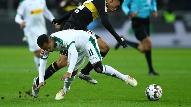 Raffael fiel beim Spiel gegen Hoffenheim auf die Schulter
