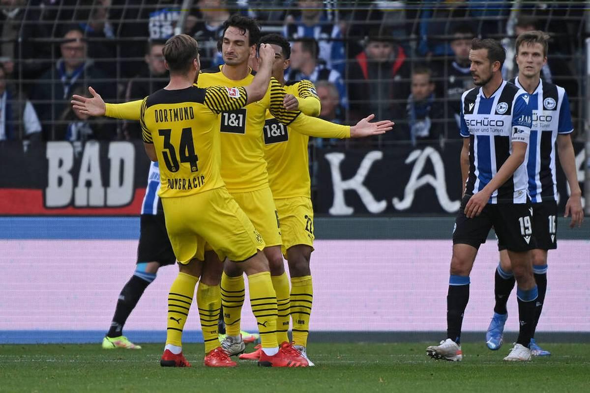 Der BVB hakt die Rekordpleite in der Champions League erfolgreich ab. Auch ohne Torjäger Erling Haaland feiern die Schwarz-Gelben einen souveränen Auswärtssieg.