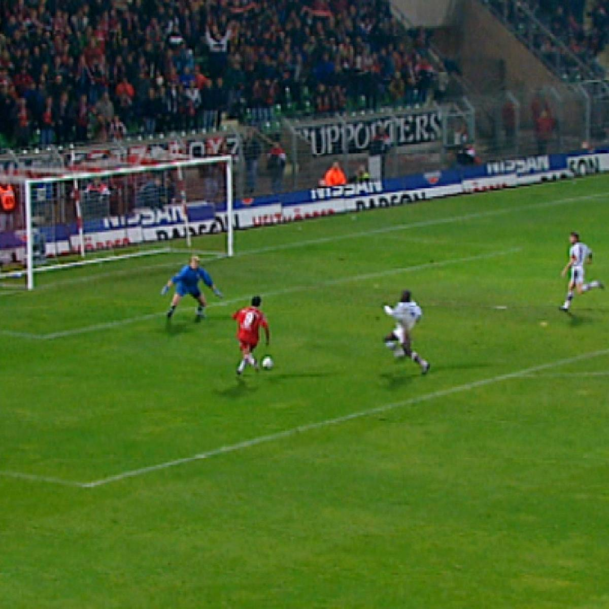 Aus 0:2 mach 4:2: Als Ulf Kirsten mit einem Hattrick die Bayern abschoss