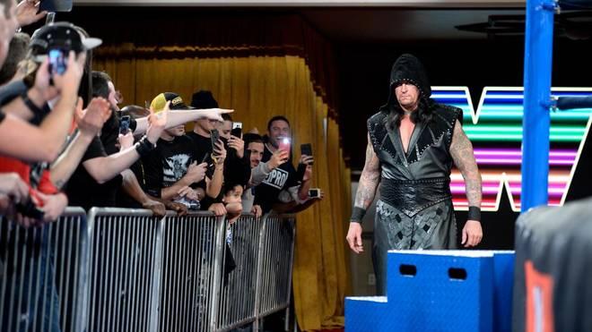 Der Undertaker kehrte bei WWE Monday Night RAW in den Wrestling-Ring zurück