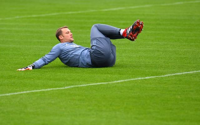 Manuel Neuer trainierte mit den Feldspielern des FC Bayern