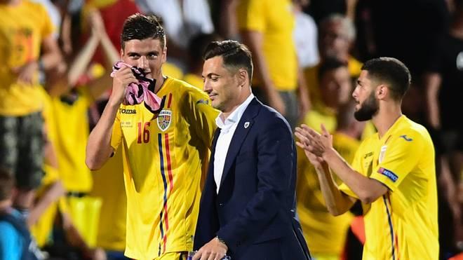 Rumäniens Trainer Matei Mirel Radoi steht mit seinem Team im Halbfinale der U21-EM - Italien dagegen nicht