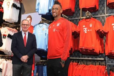 Im Sommer verließ Jérôme Boateng den FC Bayern und wechselte in die Ligue 1 zu Olympique Lyon. 2018 hätte der FCB viel Geld bekommen können.