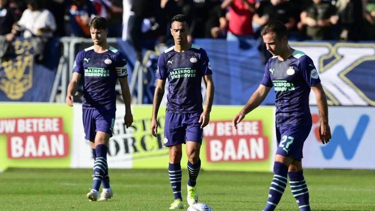 Mario Götze (r.) kassierte mit der PSV Eindhoven die zweite Liga-Niederlage