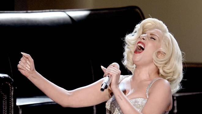 Lady Gaga schmettert am 7. Februar beim Super Bowl die Nationalhymne der USA