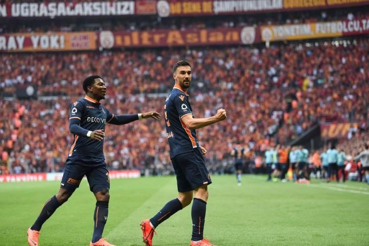 In der vergangenen Saison lag Basaksehir lange Zeit auf Meisterkurs, rutschte erst gegen Saisonende von der Spitze. In der aktuellen Saison findet der Klub aus Istanbul nach zwei Pleiten zum Start allmählich in die Spur.
