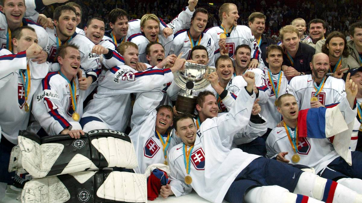 Slovakia jubilate after defeating Russia 3-2 in th
