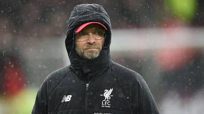 Jürgen Klopp und dem FC Liverpool stehen mit Everton und Manchester zwei harte Gegner bevor