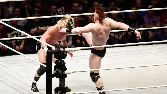 Sheamus, WWE-Partner von Tim Wiese, zeigt den Brogue Kick gegen Dolph Ziggler