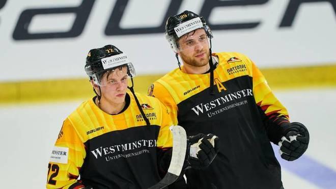Dominik Kahun (l.) wechselt in der NHL zu Leon Draisaitls Oilers