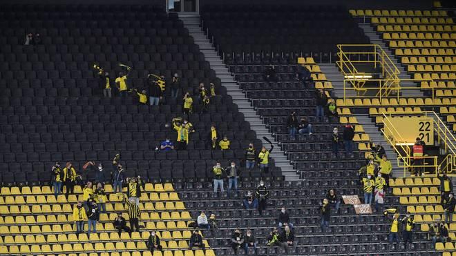 Gegen Schalke durften 300 Fans dabei sein