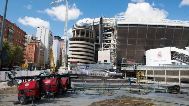 Bilder von April: Das Estadio Santiago Bernabeu befindet sich im Umbau zum neuen Real-Tempel