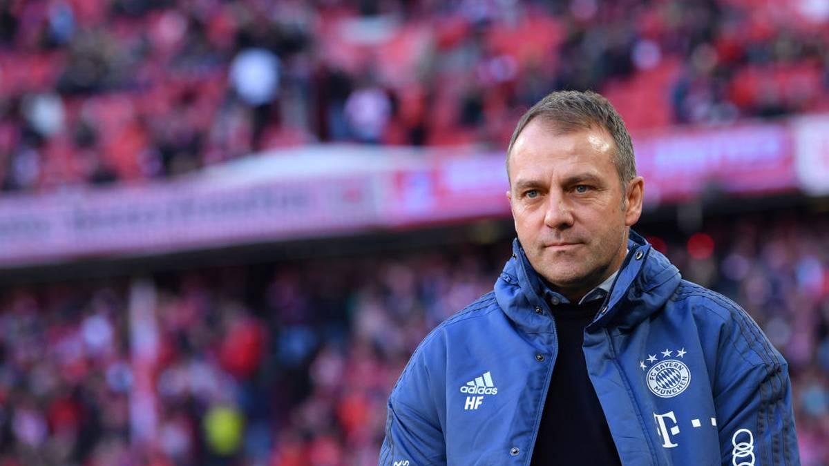 Am Freitagabend verkündete der FC Bayern die Vertragsverlängerung von Hansi Flick bis 2023. Die Nachricht kam offenbar derart überraschend, dass auch viele Spieler erst aus den Medien davon erfuhren.