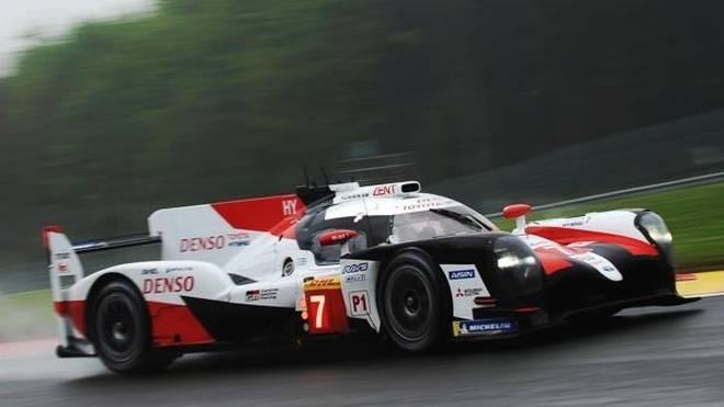 Toyota fuhr im dritten Training eine überlegene Bestzeit