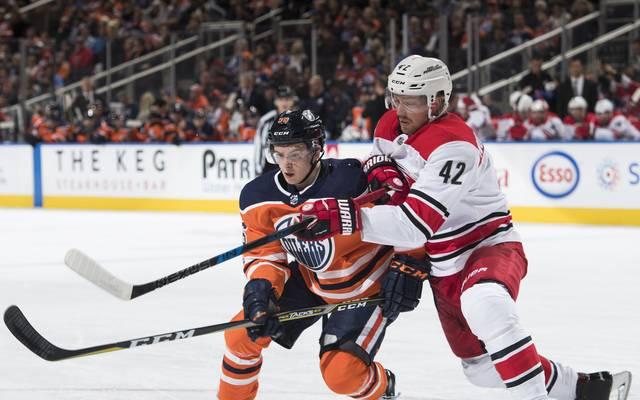 Gegen die Carolina Hurricanes unterliegen die Leon Draisaitls Edmonton Oilers mit 3:5