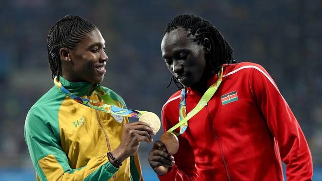 Margaret Wambui und Caster Semenya sind auf der Strecke eigentlich Kontrahentinnen
