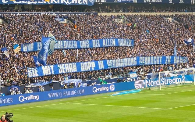 Die Fans des FC Schalke 04 reagierten kreativ auf die Hopp-Diskussionen