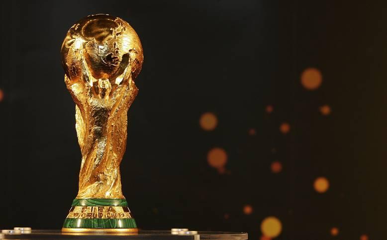 Geldregen für insgesamt 416 Vereine! Rund 184 Millionen Euro zahlt die FIFA an die Klubs für die Abstellung ihrer Spieler während der Weltmeisterschaft. Grundlage der Verteilung sind 7515 Euro pro Spieler pro Tag. Der Zeitraum beläuft sich ab zwei Wochen vor dem Eröffnungsspiel bis einen Tag nach dem letzten Spiel der eigenen Mannschaft