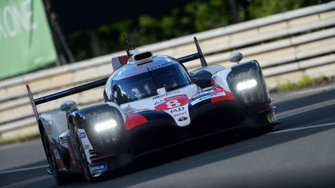 Fernando Alonso könnte in Le Mans mit seinen Toyota-Teamkollegen Sébastian Buemi und Kazuki Nakajima den Titel in der Langstrecken-WM holen