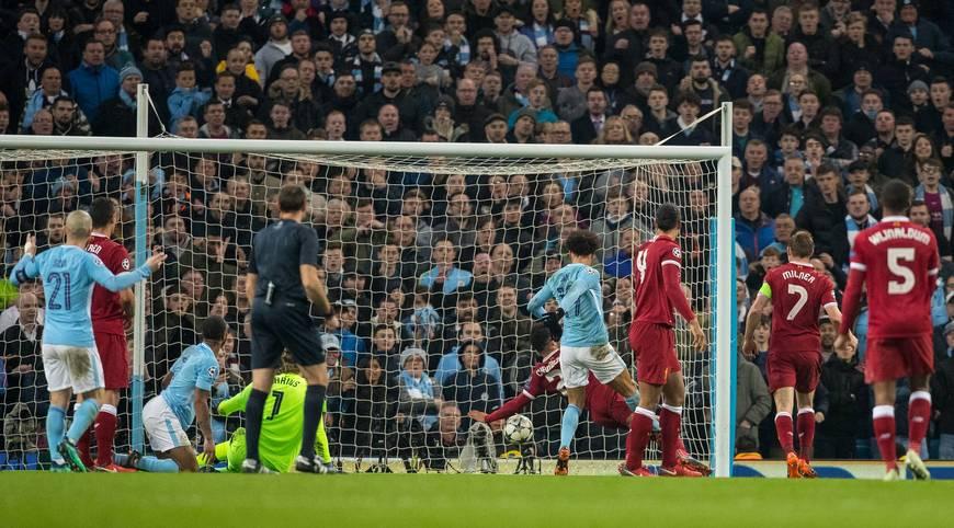 Es ist eine der entscheidenden Szenen im Viertelfinal-Rückspiel der Champions League zwischen Manchester City und dem FC Liverpool: Leroy Sane erzielt in der 42. Minute das vermeintliche 2:0, der Treffer zählt jedoch nicht - mit fatalen Folgen in mehrerlei Hinsicht