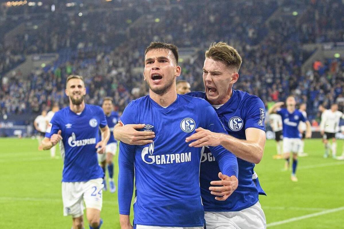Der FC Schalke 04 testet gegen einen Regionalligisten. SPORT1 ist LIVE dabei.