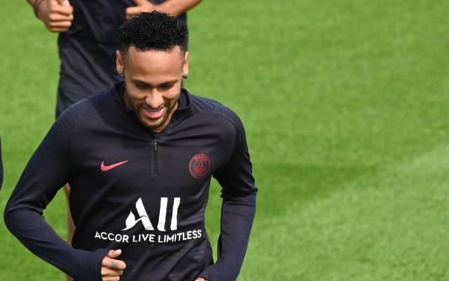 PSG-Star Neymar winkt gegen Straßburg das Comeback