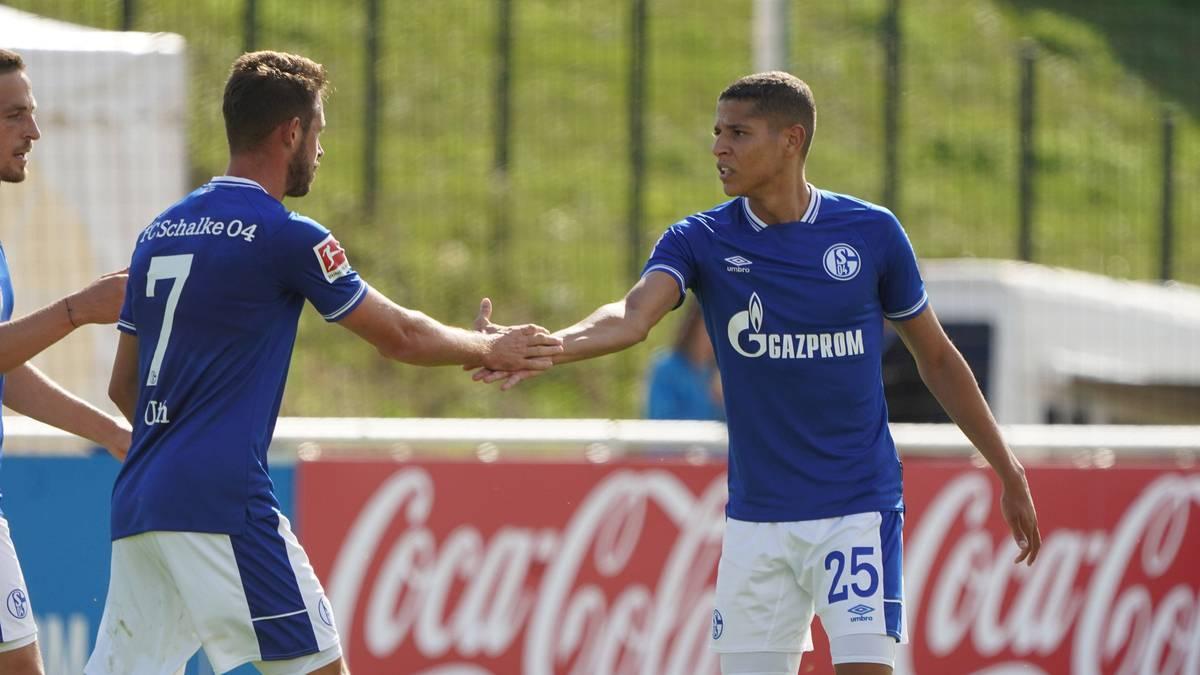Amine Harit (r.) spielt seit Sommer 2017 für den FC Schalke 04