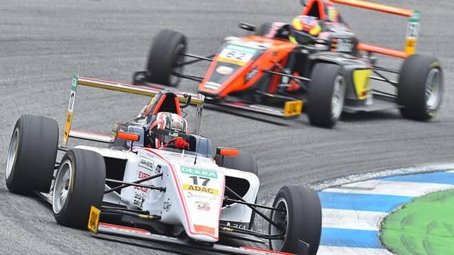 Leclerc holt vor dem F1-Publikum und seinem Bruder den Formel-4-Sieg