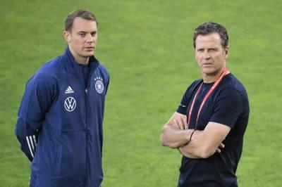 Oliver Bierhoff gibt Fehler im DFB und der Mannschaft zu - und nimmt die Spieler in die Pflicht.